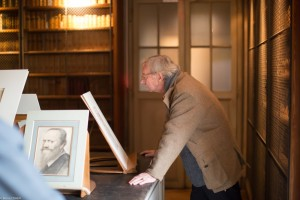 Bruno de Bayser enjoying one of the master drawings on view.