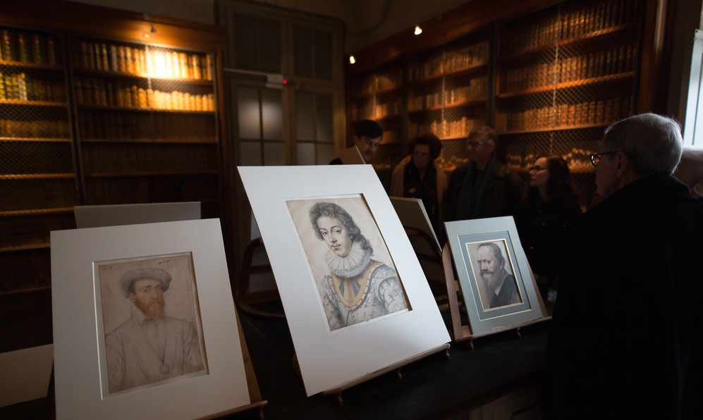 Beautiful Renaissance portraits by Jean and François Clouet were also selected for the visit.