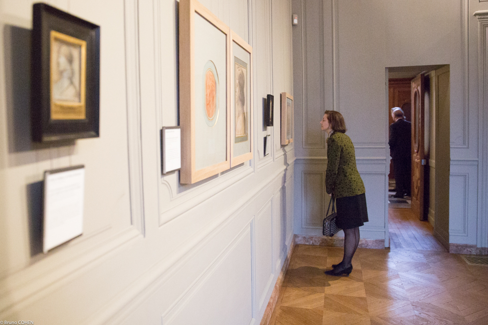 Betty Eveillard enjoys the first exhibition in the Gallery of Prints and Drawings